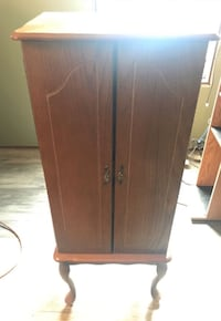 Antique Jewelry Armoire Robertsdale, 36567