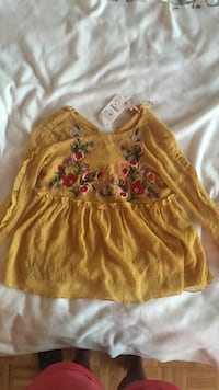 Cute top from Zara. Never worn. Tag still attached.  Toronto, M4R 1K2