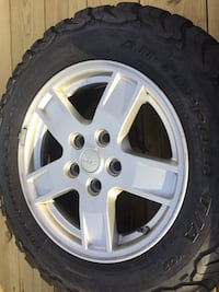 Jeep wheels with tires!! Lincolnton, 28092
