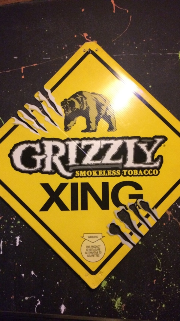 Used grizzly smokeless tobacco xing poster for sale in Englewood - letgo