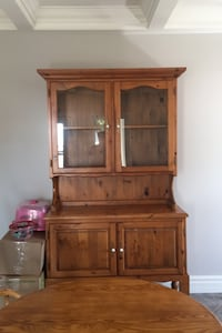 Beautiful Pone Hutch.  Burlington, L7M 0A6