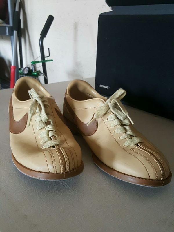 new product best quality new appearance Vintage 80s Nike Bowling Shoes Size 11