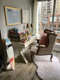 Queen Accent Chair Vancouver