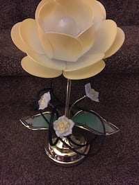white and gold floral Lamp 139 mi