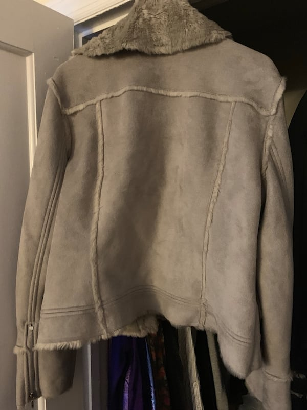 Faux Shearling in great condition XL 2