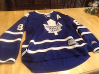 blue and white Toronto Maple Leafs jersey