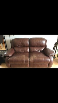 brown leather 2-seat couch