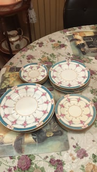 White and pink floral ceramic dinnerware set Homestead, 33033