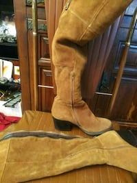 pair of brown suede boots Tulsa, 74110