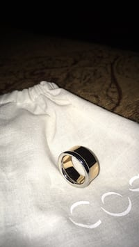New ladies ring bought at the COS store rose colour & silver in colour size 6 1/2 to 7 Oakville, L6K 1Y8