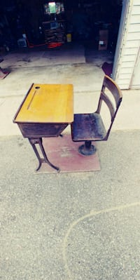 2 Vintage School Desks w/ Attached Chairs New London, 54961