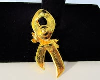 1993 VINTAGE AVON GOLD TONE BREAST CANCER RIBBON PIN Manchester