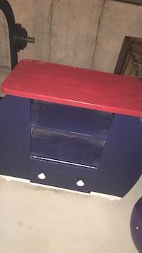 Blue and red dresser Barrie, L4M 2A2