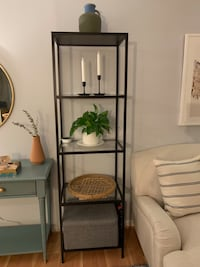 Glass shelf unit  Rockville, 20850