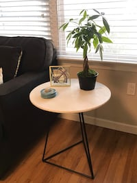 Round White Marble And Metal Accent Table 2282 mi