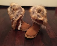 Woman's boots with fur