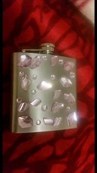 Pink Jewelled Flask Vaughan, L4H 1K4