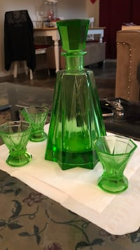 Vintage decanter set