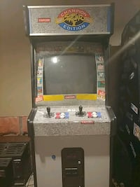 Street fighter 2 arcade game East Selkirk, R0E 0M0