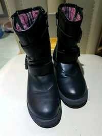 Boots size 11 Montreal, H1Z 3L2