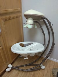 white and gray Fisher-Price cradle n swing North Las Vegas, 89031
