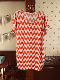 White and orange chevron scoop-neck t-shirt Manchester, 31816