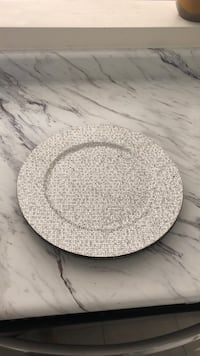 4 sparkly silver charger plates. Used once Brampton, L6V
