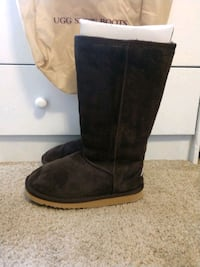 AUSTRALIA UGG TALL CLASSIC BROWN $50 Los Angeles, 90034