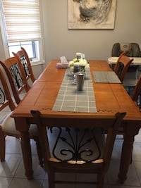 Dining table set with 6 chairs Brampton, L6V 4L4