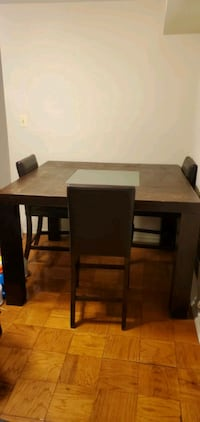 Dining room set *available for immediate pickup*