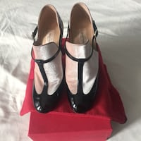 Valentino women's light pink and black leather shoes Toronto, M4S 1W5