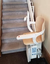 Stair Lift Chair - [PHONE NUMBER HIDDEN]  Montreal