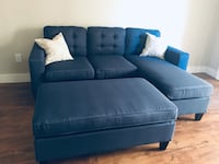 Brand new navy blue button tufted sectional with ottoman & pillows Phoenix, 85308