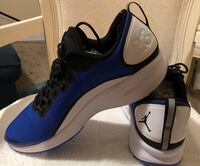 blue-and-white Nike basketball shoes 771 mi