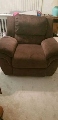Recliner  Virginia Beach, 23464
