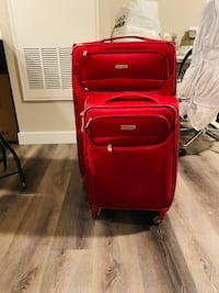 Samsung 4 Wheel Suitcase: 1-Xtra Large and 1-CarryOn Size (2) Quincy, 02169