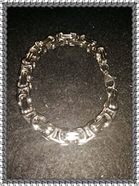 silver-colored chain bracelet League City, 77573