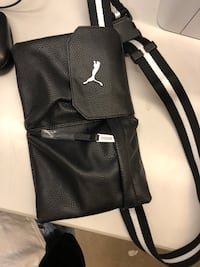 Puma side bag Milton, L9T 2C9