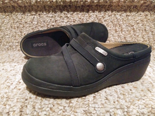 New Women's Size 6 Occupational Crocs Shoes [Retail $59.99] Clogs  9280c17c-1fac-44a1-9372-148558351903