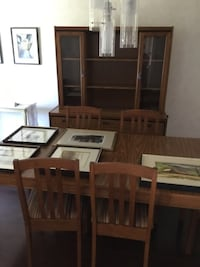 Dining table and hutch  Dollard-des-Ormeaux, H9B 2W1