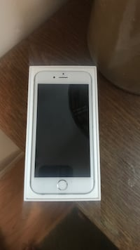iPhone 16 in box  16g Surrey, V3S 3G5