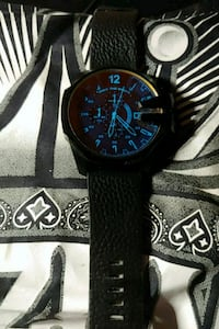 A authentic diesel watch / only the brave / 10 bar Tucson, 85719