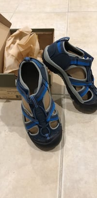 Blue-and-gray Keen sandals Broadlands, 20148