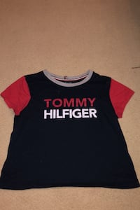 Tommy Hilfiger cropped tee size small Coquitlam, V3B 3H7