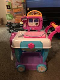 pink and white ride on toy car Woodbridge, 22191