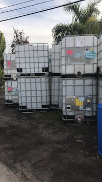 Toats tanks 250 gallons $80 each Gibsonton, 33534