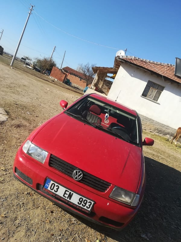 2000 Volkswagen Polo 1.6 CLASSIC BASIC 75 HP 1