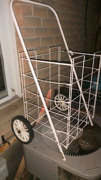 Collapsible Grocery Cart - Used London, N5X 2Y1