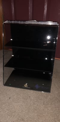 Display Case With Lock And Key Windsor, 06095