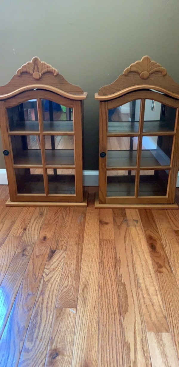 Moving Out Sale: 2 Cabinets